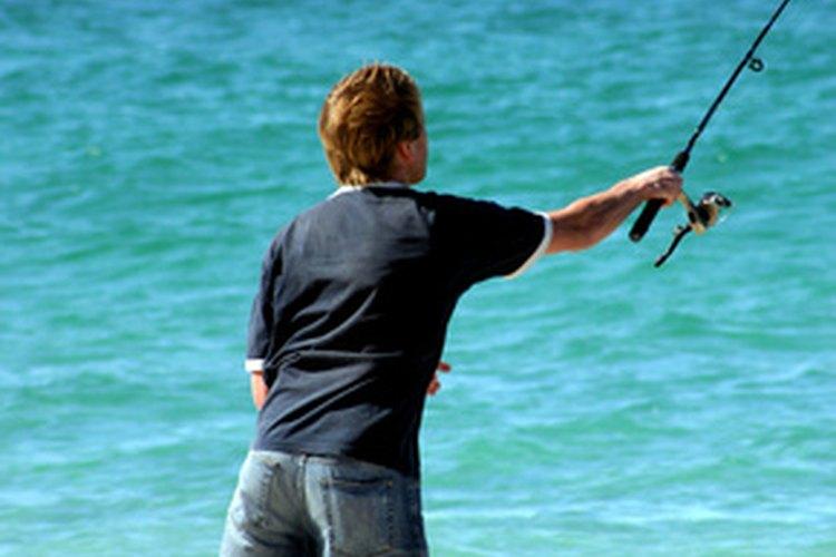 Las playas vírgenes de la isla del St. George en Florida son ideales para la pesca de la gallineta y otras especies