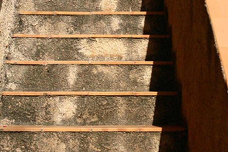 Haz las escaleras seguras y ecológicas mientras combinan con la decoración de la casa.