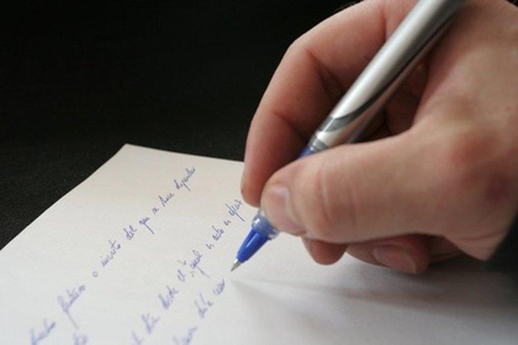 Alienta a los niños a escribir poesía.