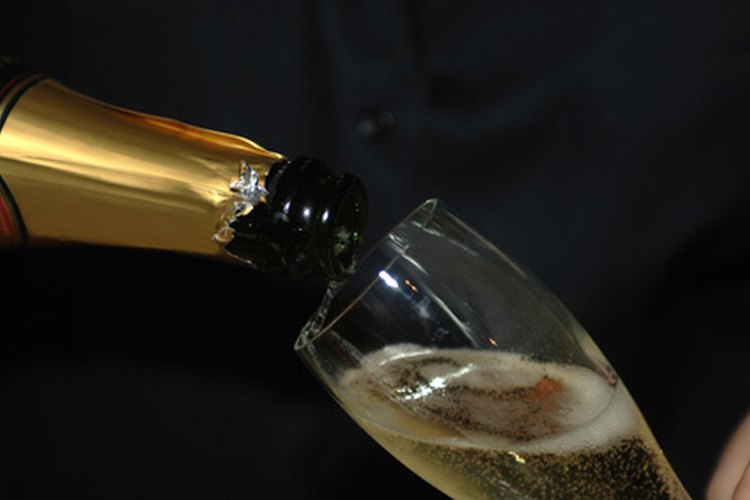 Underground Atlanta ofrece un brindis con champaña en la víspera de Año Nuevo.