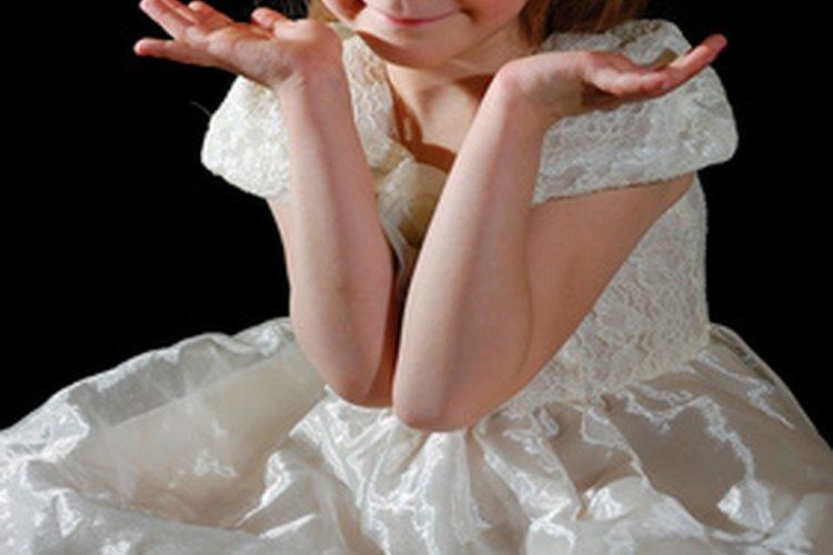 Las pequeñas niñas disfrutarán vestirse y jugar a ser princesas.