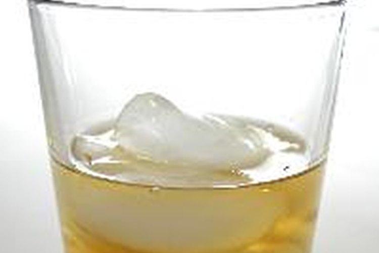 Forma barata de hacer un whisky en casa.