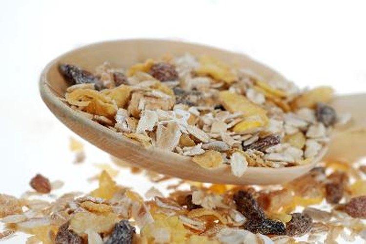Un cereal saludable es bajo en grasas y azúcar, y rico en fibras.