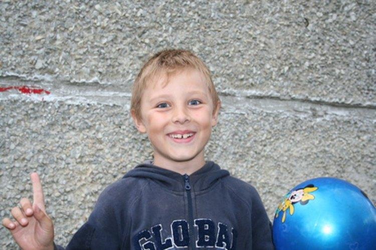 Plainy Clappy es un juego tradicional con balón del patio de escuela.