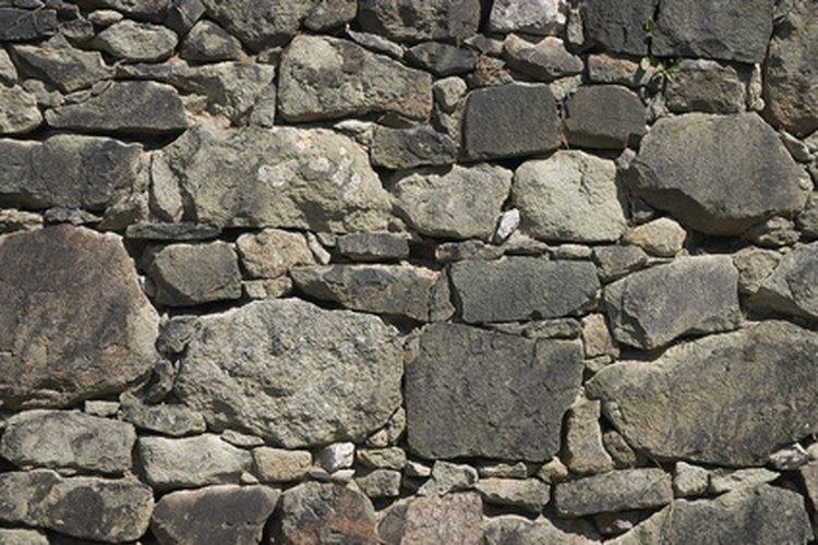 Con pintura puedes imitar las variaciones de la piedra.