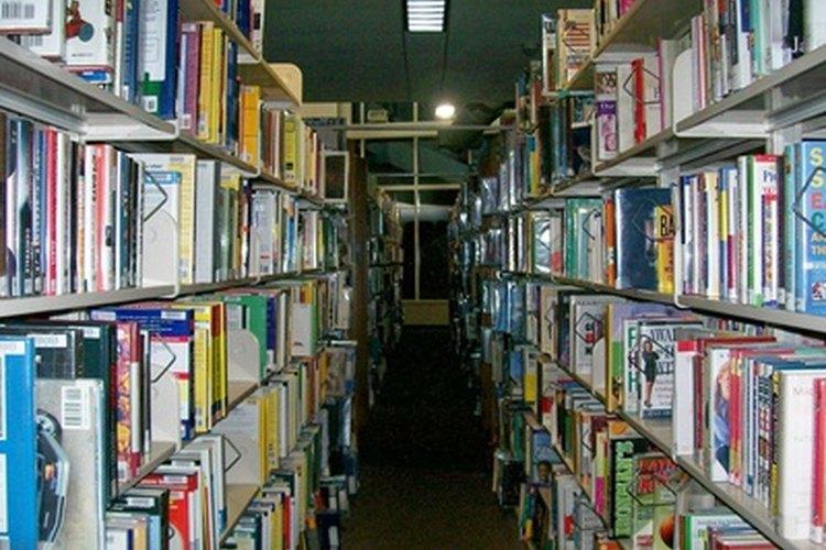 Mediante este sistema, los libros se ordenan alfabéticamente por título.
