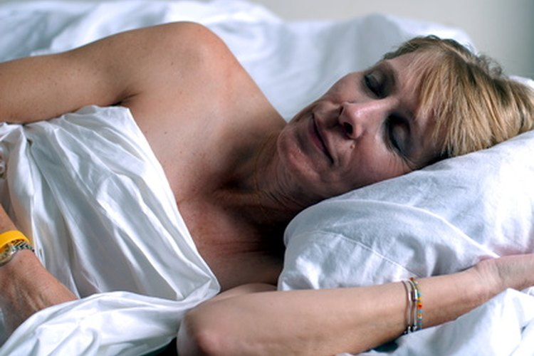 El colchón adecuado puede ayudar a los ancianos a dormir mejor.
