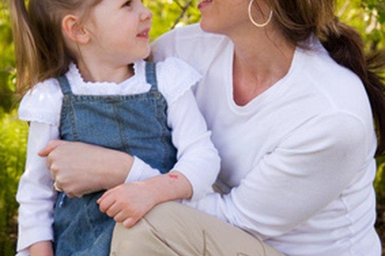 Debes limitar la cantidad total de las madres lactantes a no más del 20 por ciento de tu población. Las madres lactantes no serán capaz de hacer cualquier cosa durante dos años completos.