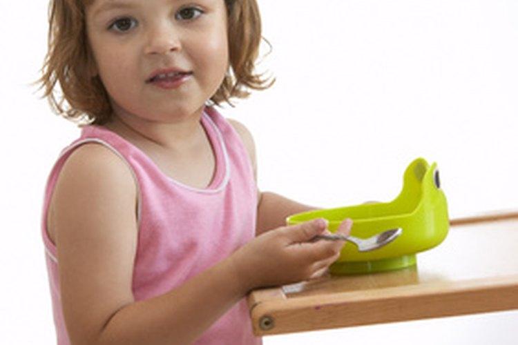 Haz el día menos complicado, permitiéndole a tu niño a preparar una comida simple.