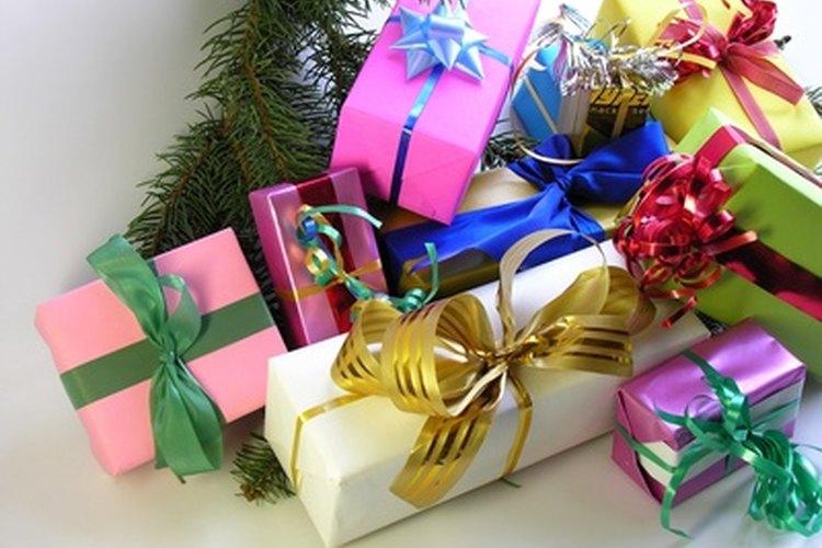 Planea un intercambio de regalos de estudiantes con cuidado para evitar herir los sentimientos.