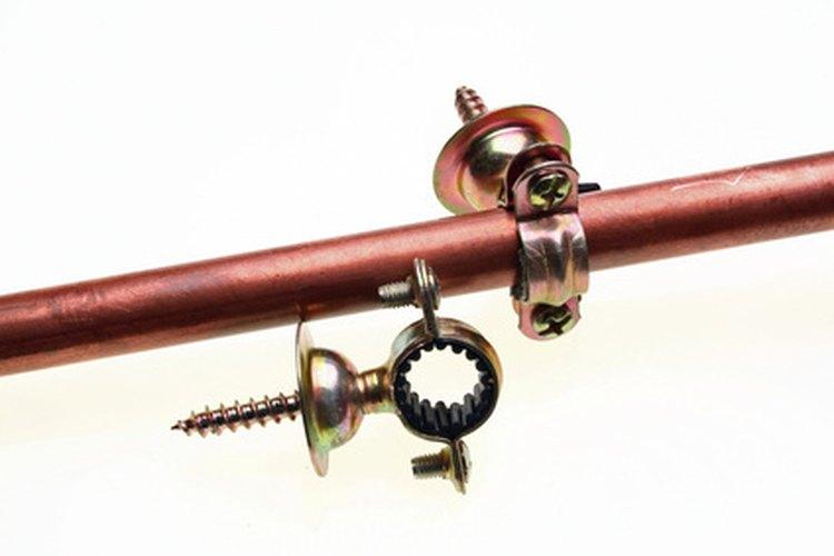 Los tubos de cobre son muy utilizados como ductos de agua.