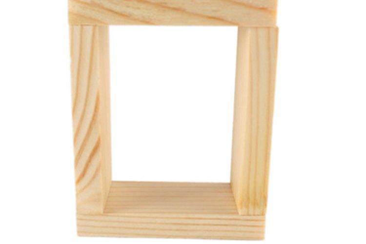 Protege y haz lucir esa hermosa madera que no quieres pintar.