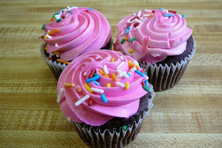 Las magdalenas son ideales para fiestas donde no quieres perder tiempo cortando un pastel.