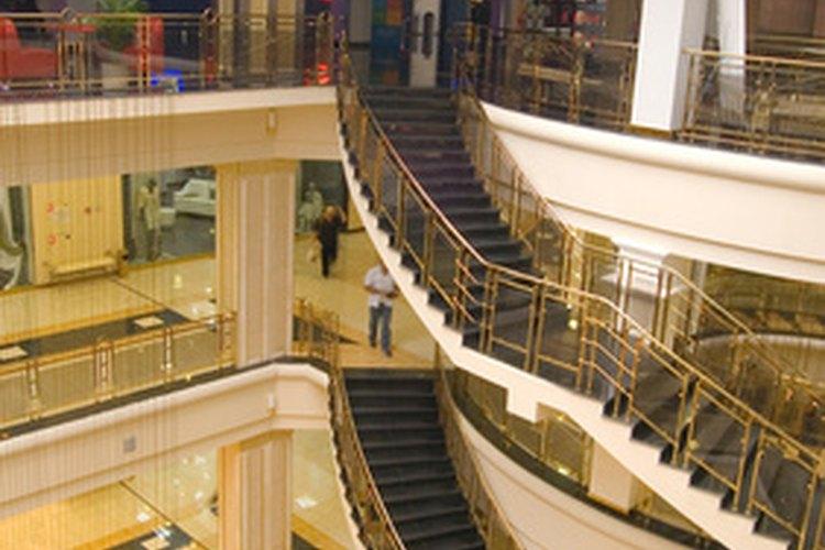 Los supervisores con tiendas grandes de ventas al por menor, usualmente son asignados a un departamento.