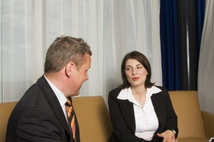 Los gerentes de relaciones laborales suelen manejar personal, disciplina y otras cuestiones de recursos humanos.