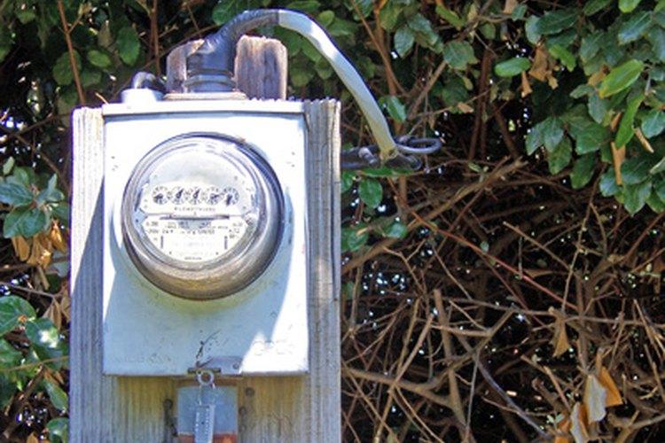 Los medidores de electricidad externos debes ser instalados en una carcasa impermeable.