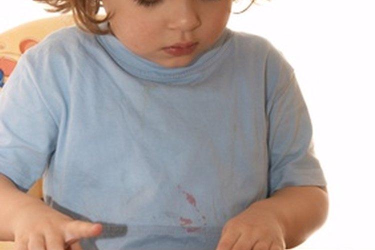 Los rompecabezas ayudan a desarrollar las habilidades motoras finas.