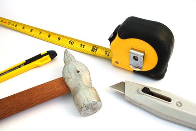 Montar y fijar tuberías requerirá herramientas comunes.