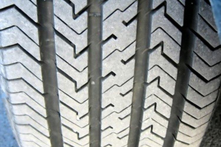El mantenimiento de la presión de los neumáticos correcta mejorará el kilometraje de la gasolina.