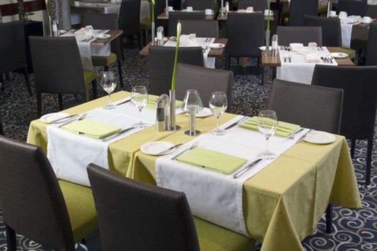 La anfitriona es el primer contacto que un cliente tiene cuando visita un restaurante.