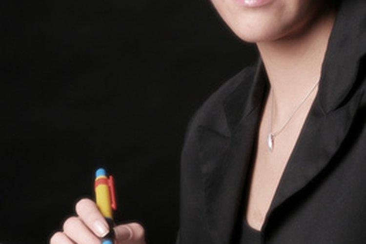 Las funciones de los asistentes ejecutivos administrativos incluyen las tareas administrativas de más alto nivel.