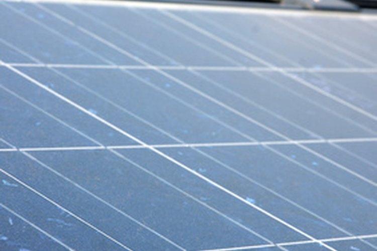 Instalación de un panel solar.