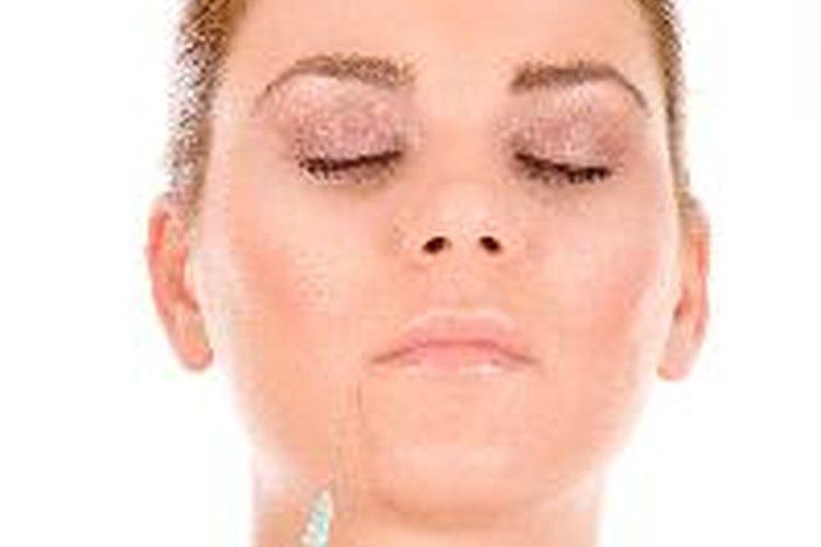 Acude con un doctor especializado para inyectarte Botox.