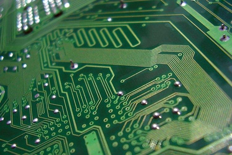 Algunos ingenieros se especializan en computadoras.
