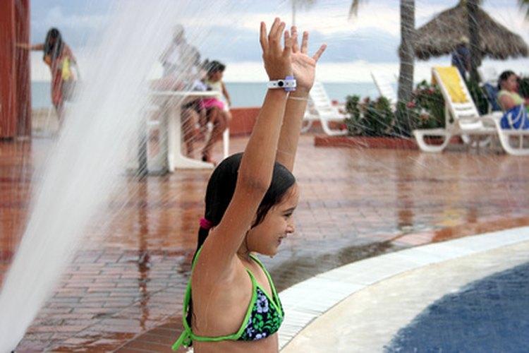 Asegúrate de que el químico se haya dispersado a través de la piscina antes de nadar.
