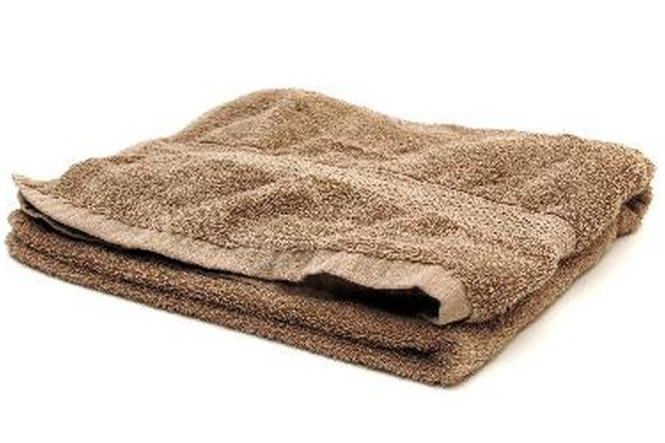 Seca las área húmedas con una toalla limpia.