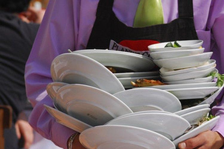 Qué tipo de tareas realiza un ayudante de camareros? |