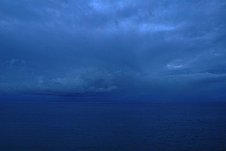 El azul cobalto es de la tonalidad del azul del cielo y el mar.