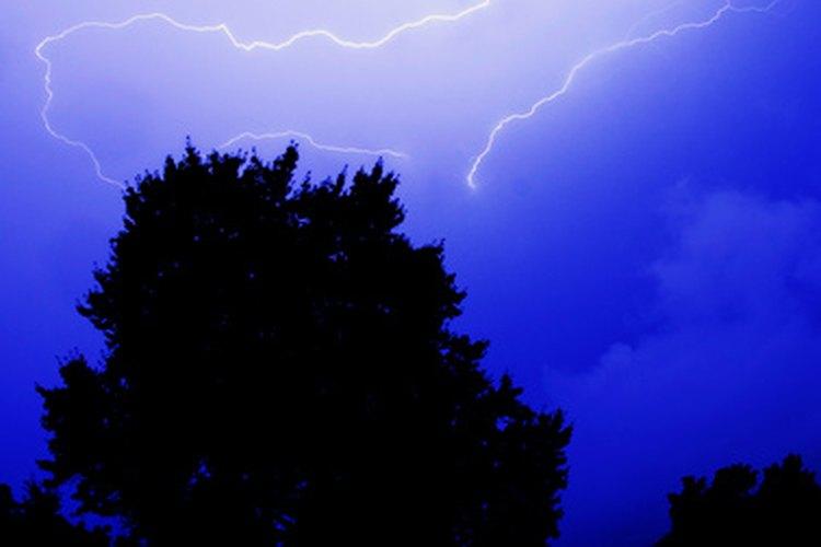 Haz que los concursantes fotografíen un fenómeno meteorológico como por ejemplo un relámpago.