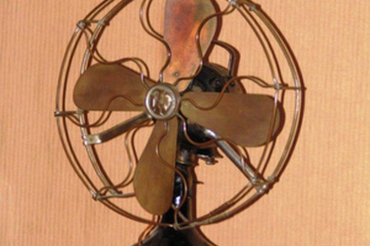 Este ventilador común de la casa por lo general tiene dos o más velocidades.