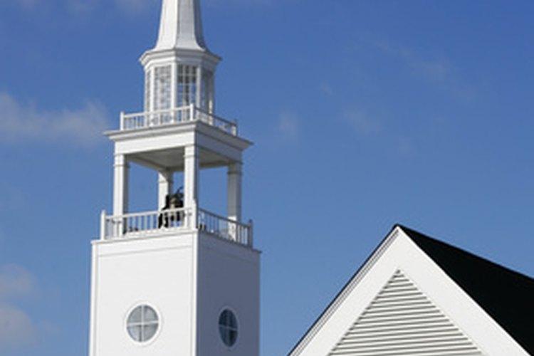 Las campanas de la iglesia a menudo se utilizan para marcar la hora.