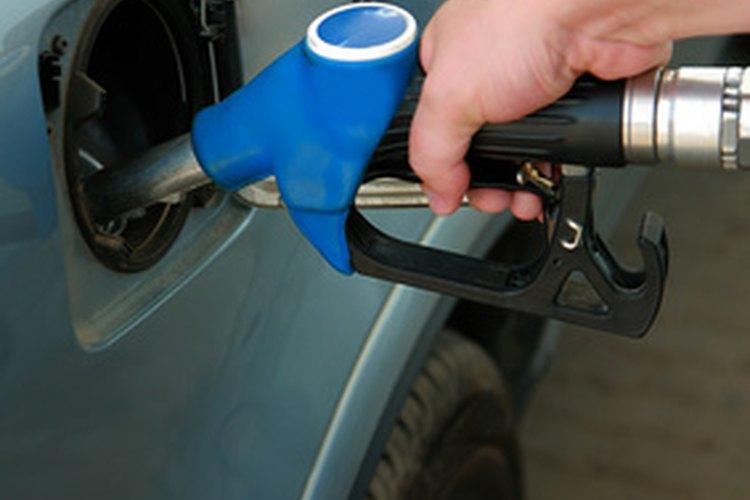 Los inyectores de combustible diésel pueden desarrollar fugas, muy parecido a la forma que lo hacen los inyectores de combustible de gasolina regular.
