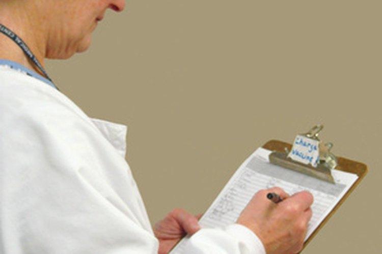 El liderazgo en enfermería y la gestión a menudo se superponen en la prestación de la atención al paciente.