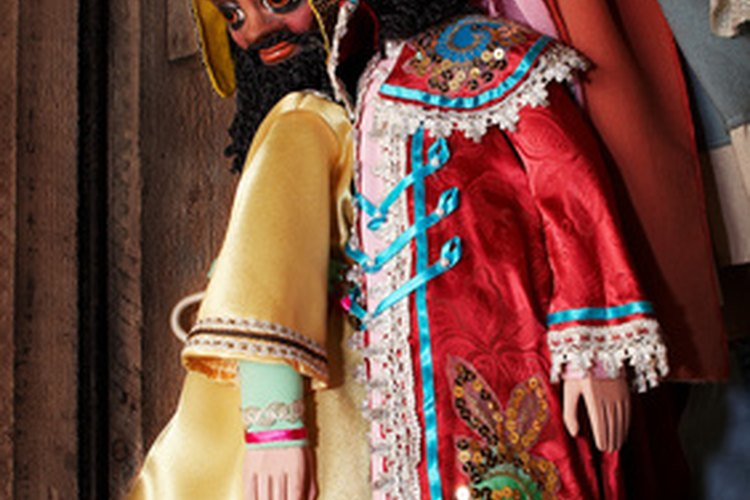 Las marionetas hacen que la hora del cuento sea más excitante.