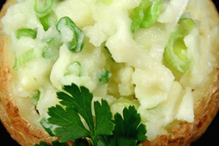 Los ingredientes pueden subir el contenido calórico de una patata.