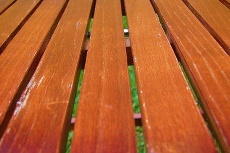Impermeabiliza tus proyectos de madera que están al aire libre para que duren.