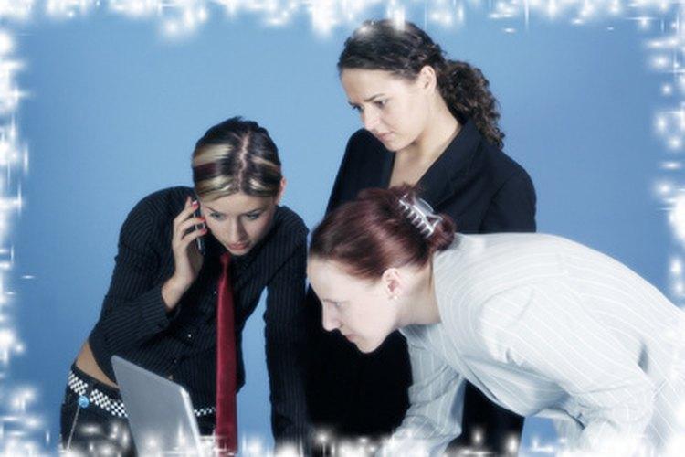 Los coordinadores de tráfico son responsables de ayudar a que los proyectos se desenvuelvan bien.