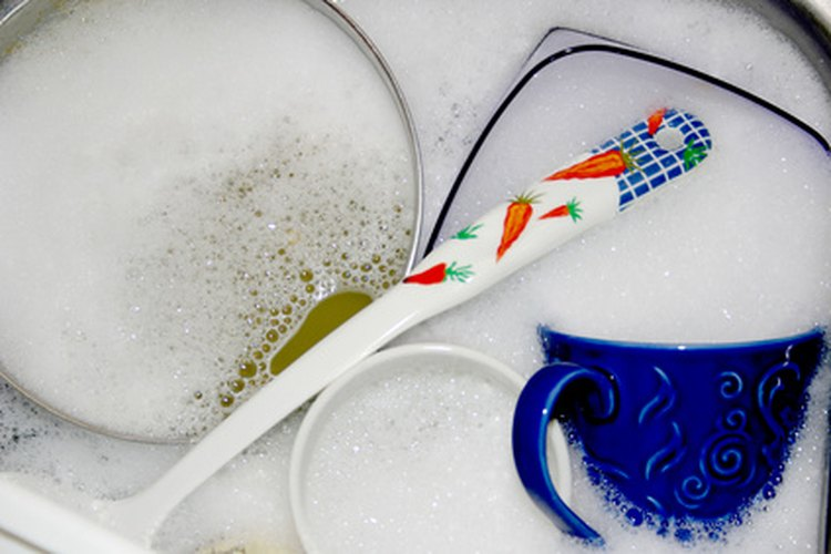 """""""Fuerte con la grasa"""" es el estribillo familiar de los anuncios publicitarios del jabón para platos Dawn."""