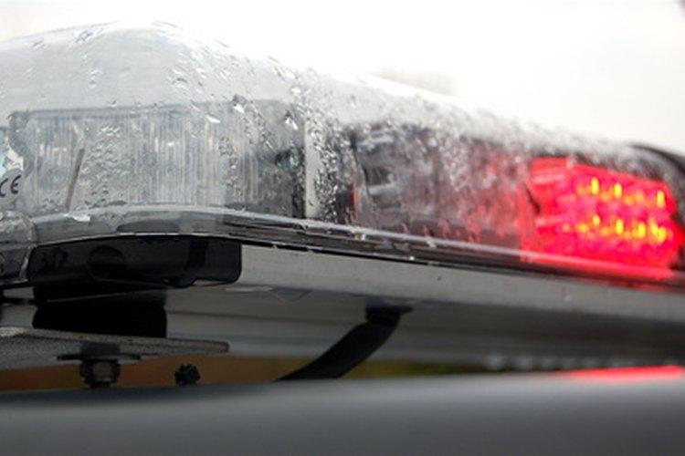 Las luces del coche de patrulla de policía tienen fines específicos.