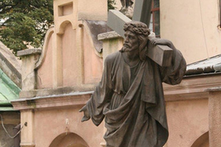 Jesús enseña sobre el amor en la parábola del buen samaritano.