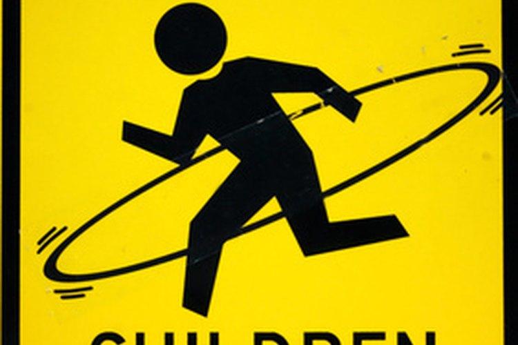 Los padres pueden guiar a sus hijos a hacer actividades que sean divertidas para su edad.