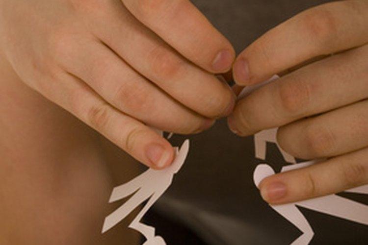 Las actividades de diversidad cultural ayudan a los estudiantes a comprender los lazos con otras personas.