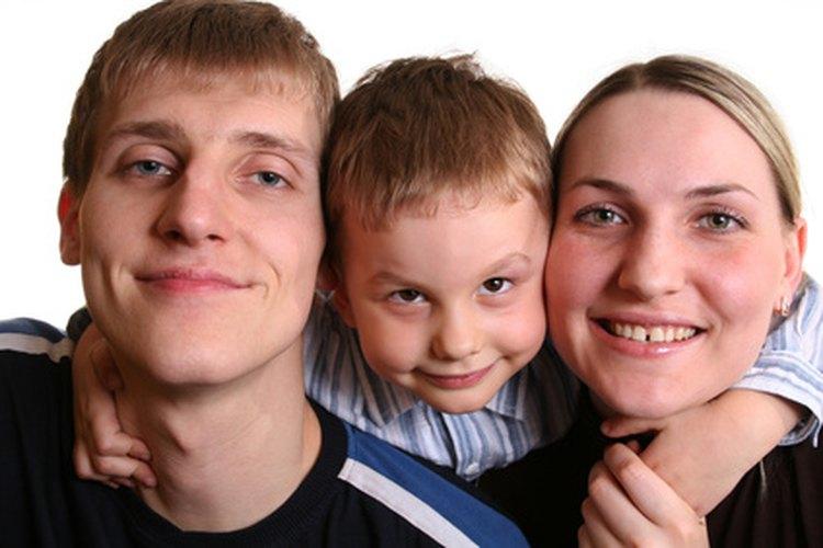 Los padres son modelos a seguir para sus niños, lo deseen o no.