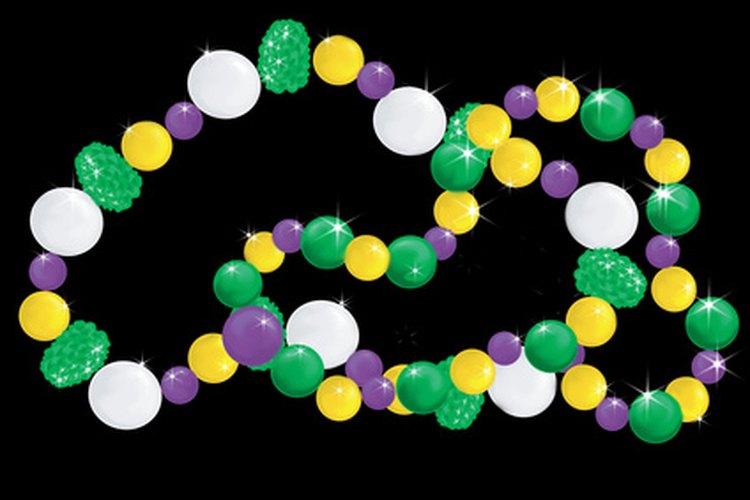 Cuentas en colores de Mardi Gras.
