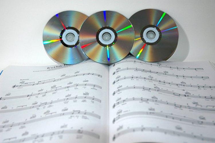 A través de los años, los premios Grammy se han expandido para cubrir otras categorías aparte de música.
