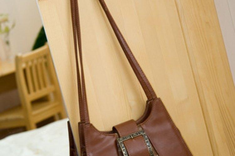 Detecta un falso bolso Gucci para protegerte de los falsificadores.
